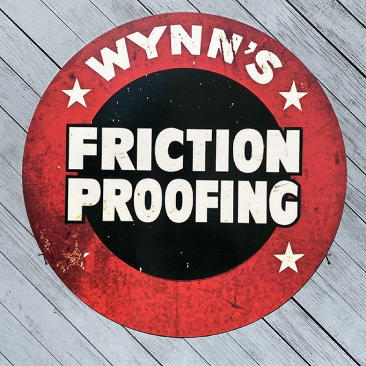 Plaque publicitaire Wynns Friction Proofing