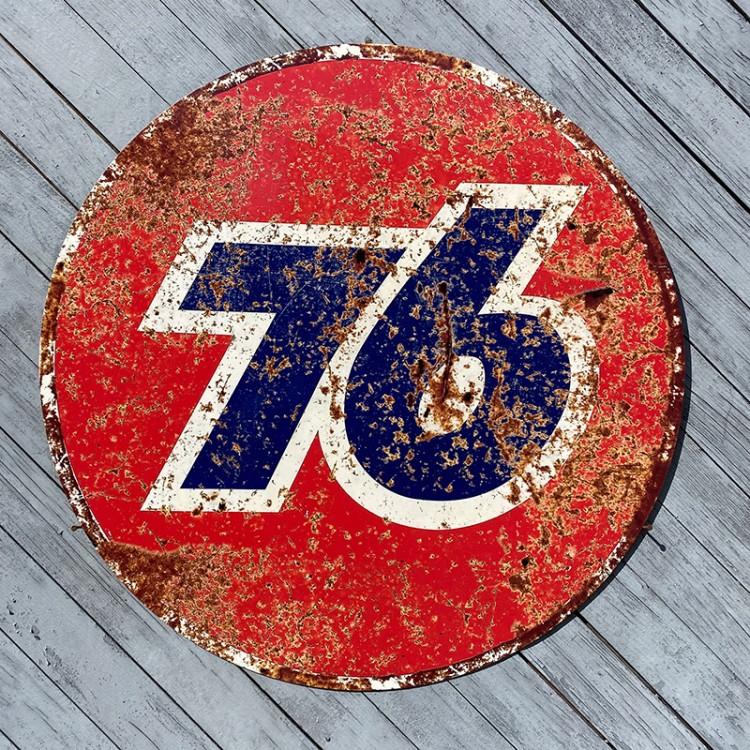 Plaque publicitaire Union 76 Gasoline rouillée